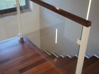 balustrada szklana + drewno 2
