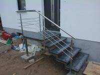 schody-na-konstrukcji-nierdzewnej-stopnie-granitowe